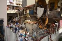 ÇÖP EV - Mersin'de Yaşlı Kadının Evinden 4 Kamyon Çöp Çıktı