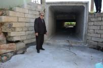 YUNUSEMRE - Spil Mahallesindeki Derede Islah Çalışmaları Başladı