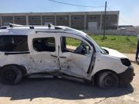Balıkesir'de Trafik Kazası Açıklaması 3 Yaralı
