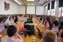 ÇOCUK KOROSU - Başkan Eşkinat Cumhuriyet Çocuklarını Ağırladı