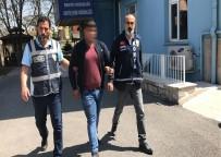EHLİYETSİZ SÜRÜCÜ - Çarpıp Kaçtı Tampon Parçasından Yakalandı