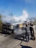 PAŞALı - Çatalzeytin'de Seyir Halindeki Kamyon Yandı
