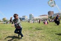GÜNEŞLI - Çocukların Uçurtma Şenliği Heyecanı