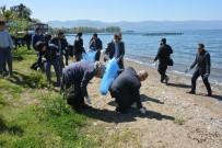 ALİ HAMZA PEHLİVAN - İznik Gölü Sahillerini Temizlediler