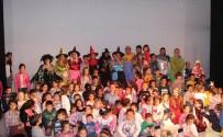 Küçük Sakak Cadı'ya En İyi Çocuk Oyunu Ödülü Verildi
