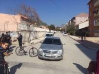 MAZLUM - Otomobil İle Bisiklet Çarpıştı, 2 Yaralı