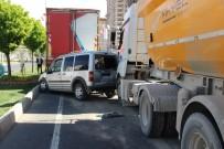 Şanlıurfa'da Zincirleme Trafik Kazası Açıklaması 4 Yaralı