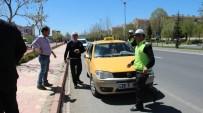 FıRAT ÜNIVERSITESI - TEOG Sonrası 2 Aracın Çarptığı Öğrenci Ağır Yaralandı