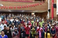 Vali Tuna, 'Zor Zamanlarda Bir Araya Gelmesini Bilen Bir Milletiz'