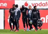 VINCENT ABOUBAKAR - Beşiktaş'a Kötü Haber Açıklaması Aboubakar Sakatlandı