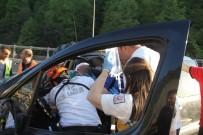 İZZET BAYSAL DEVLET HASTANESI - Bolu Dağı'nda Trafik Kazası Açıklaması 1 Yaralı