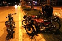 ÖĞRETMENLER - Çalıntı Motosikletle Motosiklet Hırsızlığı Girişimi Polis Takıldı
