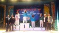 KARATE - Kartepeli Karateciler, Şampiyonadan Madalyalarla Döndü