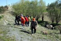 DİREKSİYON - Kayseri'de Otomobil Takla Attı Açıklaması 1'İ Ağır 4 Yaralı