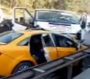DİREKSİYON - Minibüsle Taksi Çarpıştı Açıklaması 2 Ölü, 3 Yaralı