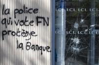 CUMHURBAŞKANLIĞI - 'Ne Macron Ne Le Pen' Açıklaması Gençler Paris'de Protesto Ediyor
