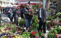 İLKBAHAR - Pazar Yeri Çiçek Bahçesine Döndü