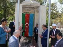 YALÇıN TOPÇU - Torun Resulzade'den Ata Resulzade'nin Kabrine Ziyaret