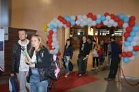 ORÇUN - Ukraynalı Kafile Çiçeklerle Karşılandı