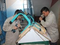 MILLI EĞITIM BAKANLıĞı - Yozgat'ta Öğrenciler Eğitim Gördükleri Sıraları Kendileri Üretiyor