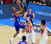 OLYMPIAKOS - Anadolu Efes son maça bıraktı