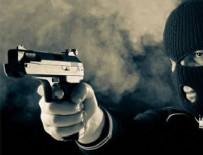 SOYGUN - Bağcılar'da kuyumcuya silahlı saldırı