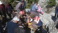 Dört Gündür Kayıp Olan Yaşlı Adam Kayalıklar Arasında Bulundu