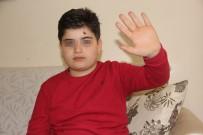 ÇAYKARA CADDESİ - Engelli Çocuk 'Yavaş' Yürüdüğü İçin Saldırıya Uğradı