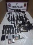 KALAŞNIKOF - Etkisiz Hale Getirilen Teröristlerden Çok Sayıda Silah Ve Mühimmat Ele Geçirildi