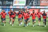 METİN OKTAY - Galatasaray'da Bursaspor Maçı Hazırlıkları Sürüyor