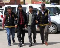 SEYHAN NEHRİ - Kalaşnikoflu Trafik Kavgası Cinayetinde 9 Kişi Adliyeye Sevk Edildi