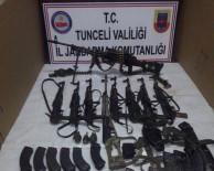 KALAŞNIKOF - Tunceli'de Çok Sayıda Silah Ve Mühimmat Ele Geçirildi