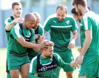TİMSAH - Bursasporlu Oyuncular El Topu Oynadı