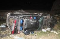 KURBAN BAYRAMı - Otomobil 25 Metre Yüksekten Uçtu Açıklaması 6 Yaralı