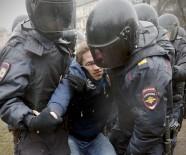 DEVLET BAŞKANI - Putin karşıtı gösterilerde yüzlerce gözaltı