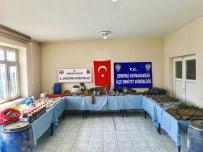 KALAŞNIKOF - Şemdinli'de Çok Sayıda Silah Ve Mühimmat Ele Geçirildi