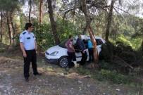 Takla Atan Otomobilde Sıkışan Sürücüyü İtfaiye Kurtardı