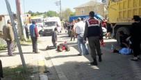 Yol Kenarında Yürüyen Yayalara Otomobil Çarptı Açıklaması 3 Yaralı