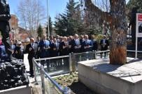 İBRAHİM ATEŞ - Bahçeli, Ülkücü Şehitler Anıtını Ziyaret Etti