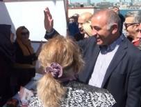 MAHMUT TANAL - CHP'li milletvekillerden 'evet' standına ziyaret