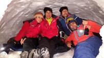 TÜRKIYE DAĞCıLıK FEDERASYONU - Dağcılar Kar Mağarasında Sabahladı