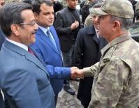 DİYARBAKIR VALİSİ - Genelkurmay Başkanı Akar Ve Kuvvet Komutanları Sur'da Esnafı Ziyaret Etti