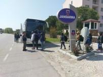 FILDIŞI SAHILI - İzmir'de 58 göçmen yakalandı