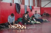 İNSAN KAÇAKÇILARI - Kaçak Göçmenlerin Bekleyişi Sürüyor