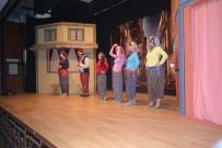 ŞEHİT ÜSTEĞMEN - 'Kanlı Nigar' Adlı Tiyatro Oyunu Yoğun İlgi Gördü