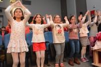 AHMET TANER KıŞLALı - Körfez'de 500 İlkokul Öğrencisi Tiyatro İle Buluştu