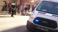 BİLECİK DEVLET HASTANESİ - Motosikletle Çarpışan Otomobilin Sürücüsü Olay Yerinden Kaçtı