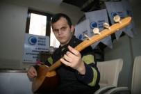 TÜRKÇE ÖĞRETMENLIĞI - Doğuştan Görme Engelli Gencin '10 Parmağında 10 Marifet'