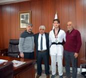 AHMET TURAN - Sorgun Belediye Başkanı Şimşek, Başarılı Sporcuyu Ödüllendirdi