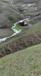Ağrı'da Traktör Uçuruma Yuvarlandı Açıklaması 2 Yaralı